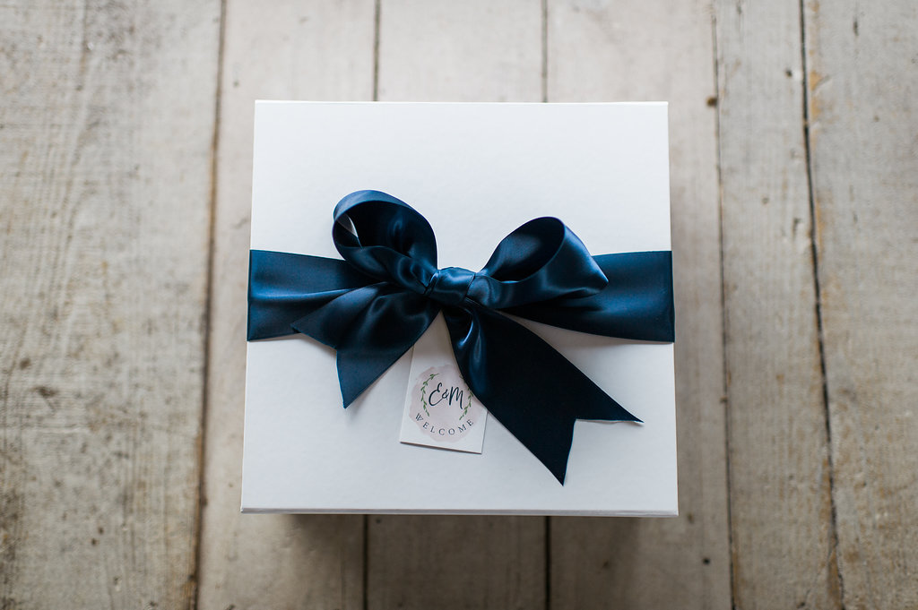 The 5 Top Items To Include In Your Wedding Welcome Bags